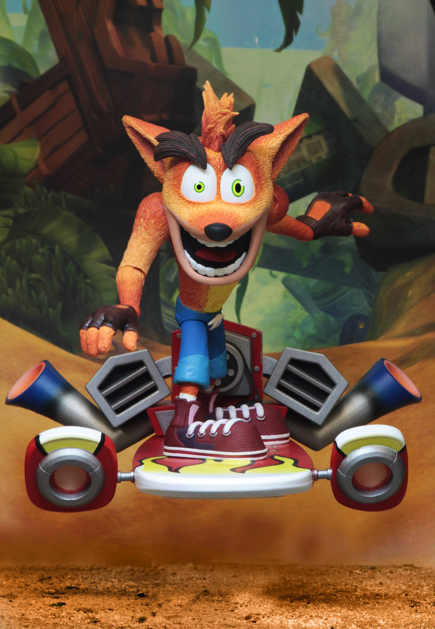 "Фигурка Крэш с ховербордом ""Crash Bandicoot"" от Neca"