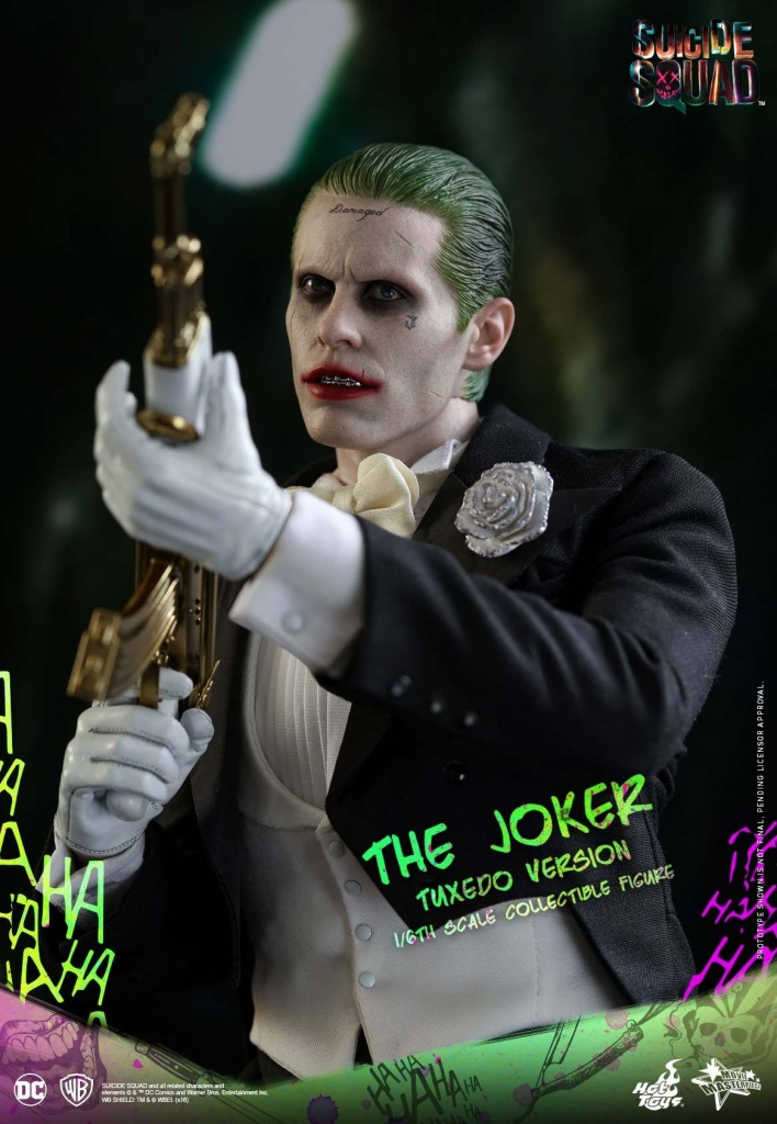 Suicide-Squad-The-Joker-Tuxedo-Version-003.jpg