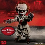 Фигурка Пеннивайза — Mezco Stephen Kings It 2017 Talking Pennywise