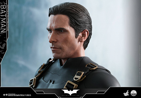 Фигурка Бэтмена — Hot Toys Batman Begins 1/4 Batman
