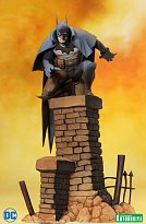 Фигурка Бэтмена — Kotobukiya DC Comics ARTFX+ Batman Gotham by Gaslight