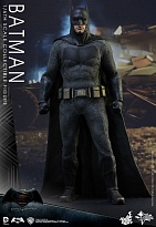 Фигурка Бэтмена Hot Toys Batman v Superman