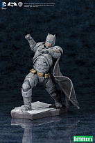 Фигурка Бэтмена — Batman v Superman Kotobukiya ARTFX+