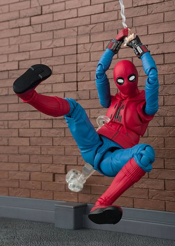 Фигурка Спайдермена — Spider-Man Homecoming S.H. Figuarts Homesuit