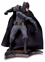 "Фигурка Бэтмен ""Бэтмен против Супермена"" 30см (DC Collectibles Batman v Superman Dawn of Justice Statue Batman)"